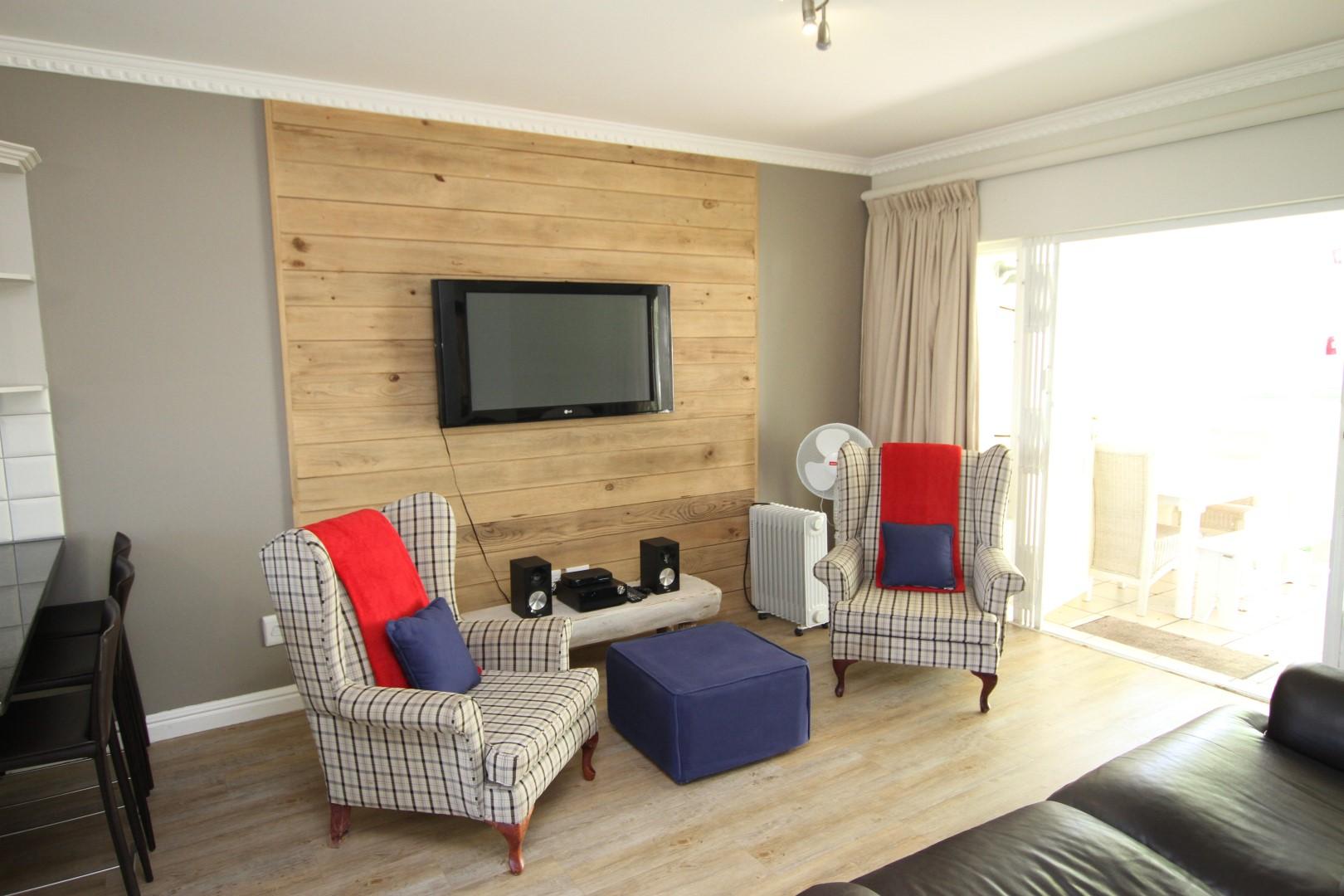 Plettenberg Bay, 6600, 2 Bedrooms Bedrooms, ,2 BathroomsBathrooms,Apartment,For Sale,1080